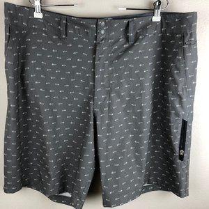 Champion Casual Shorts Size 40W Gray, Fish Bones